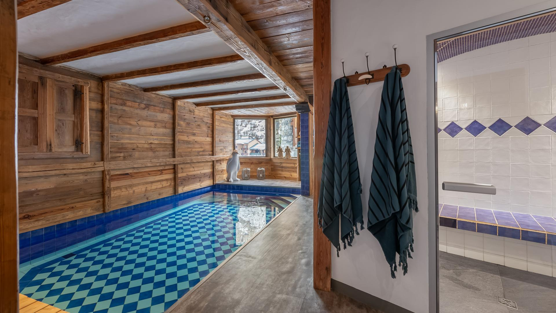 Chalet Pauline 3 - Location chalets Covarel - Val d'Isère Alpes - France - piscine